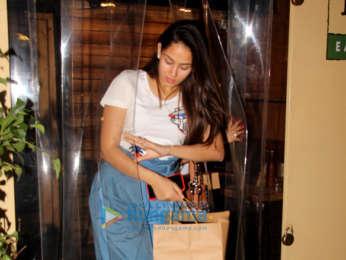 Mira Rajput snapped at Farmer's Cafe