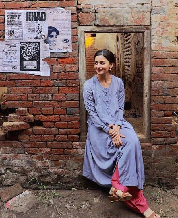 RAAZI: Hell, no one can do ethnic chic better than Alia Bhatt! Check out this pic from the sets