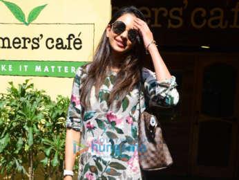 Rakul Preet Singh spotted at Farmer's Cafe in Bandra