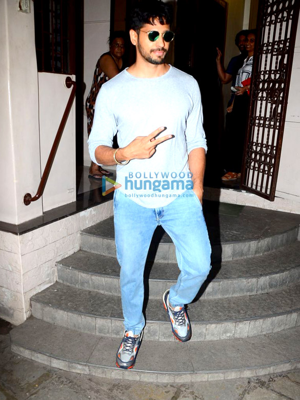 Sidharth Malhotra spotted at the dubbing studio in Bandra