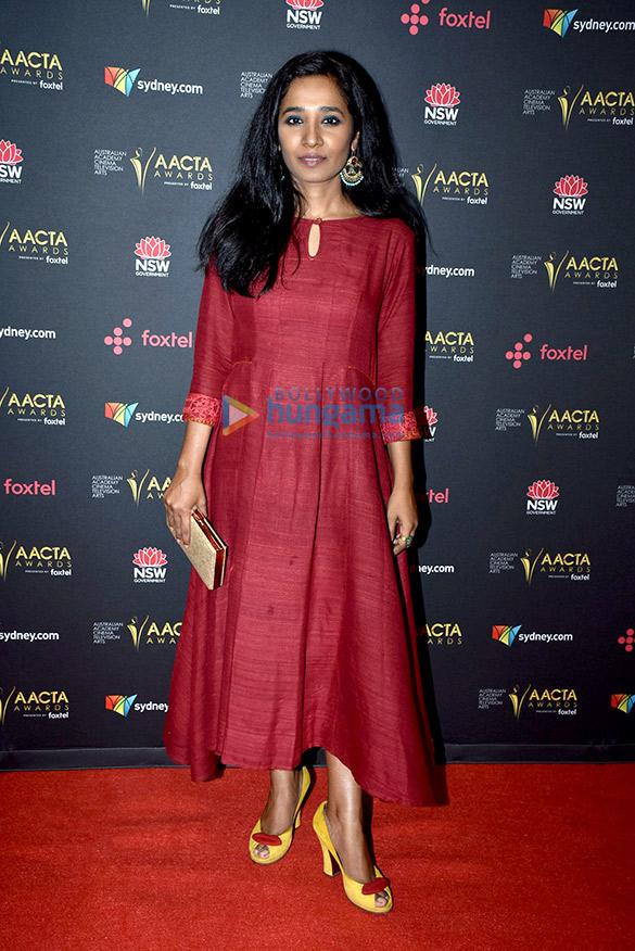 Sunny Pawar snapped receiving an award