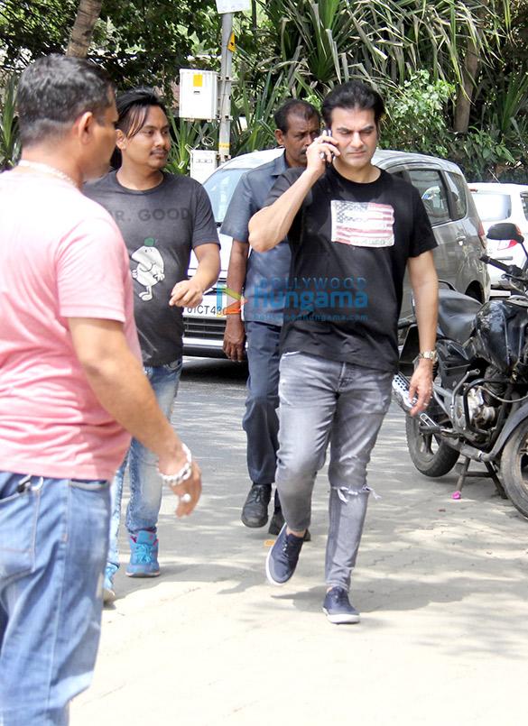 Arbaaz Khan snapped at Bandstand, Bandra