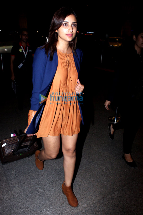 Arjun Kapoor and Parineeti Chopra snapped at the airport