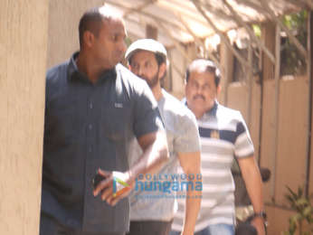 Hrithik Roshan spotted in Juhu