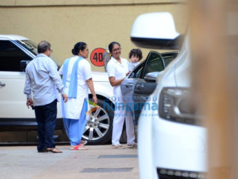 Kareena Kapoor Khan and Taimur Ali Khan snapped at Karisma Kapoor's house in Bandra