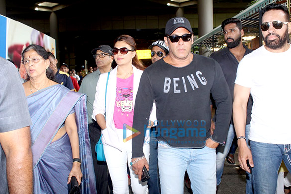 Salman Khan, Jacqueline Fernandez, Sunny Leone and others snapped at the airport