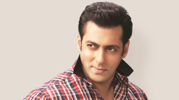 Salman Khan hand paints his jacket for Race 3's 'Heeriye' song