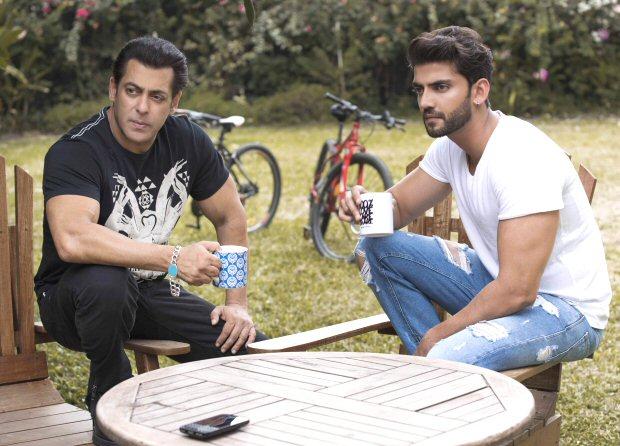 Salman Khan introduces his new discovery - Zaheer Iqbal