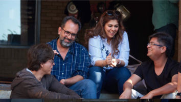 Shah Rukh Khan enjoys fun conversation with Aanand L Rai on the sets of Zero