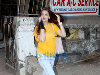 Sonali Bendre spotted at Kromakay salon in Juhu
