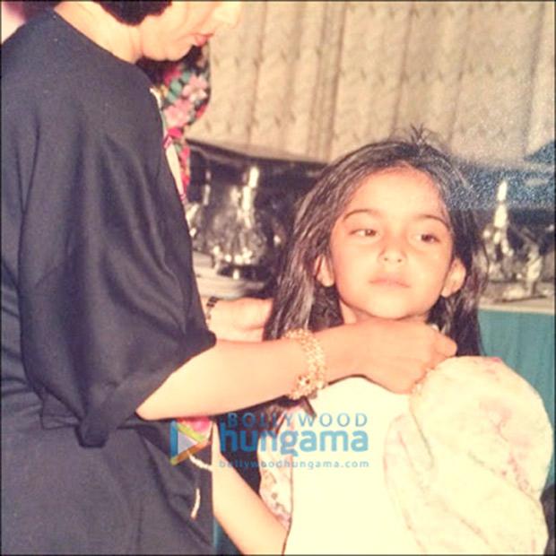 Veeres Kareena Kapoor, Rhea Kapoor and Sonam Kapoor's UNSEEN childhood pictures will get you all mushy