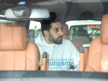 Daisy Shah, Anushka Sharma, Virat Kohli and others snapped at the airport