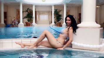 HOT! Mallika Sherawat HEATS it up in a SEXY bikini by the pool!