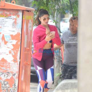 Jacqueline Fernandez snapped in Bandra