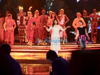 Kareena Kapoor Khan, Madhuri Dixit, and Jacquline Fernandez snapped at dance rehearsal for Femina Miss India