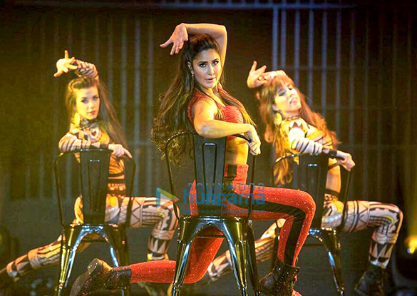 Katrina Kaif snapped on stage at the DaBangg Tour in Atlanta (1)