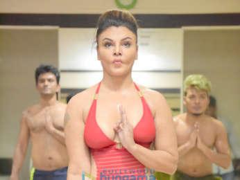 Rakhi Sawant and Arshi Khan snapped practicing yoga on International Yoga Day