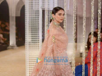 Aditi Rao Hydari walks the ramp for Tarun Tahiliani at India Couture Week 2018