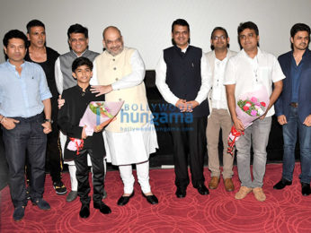 Akshay Kumar, Kangana Ranaut, Sachin Tendulkar and others grace the premiere of Chalo Jeete Hain