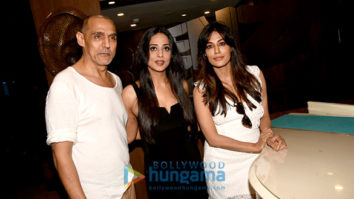Chitrangda Singh and Mahie Gill snapped shooting a promotional song for their film Saheb Biwi Aur Gangster 3
