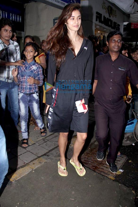 Disha Patani spotted at a salon in Bandra (4)
