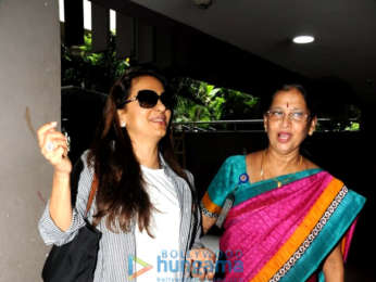 Ileana D'Cruz and Ameesha Patel snapped at the airport