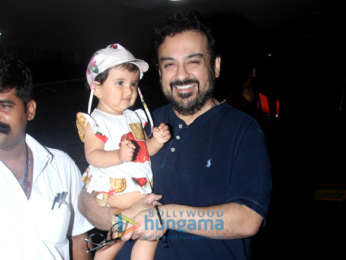 Kareena Kapoor Khan, Varun Dhawan, Huma Qureshi and others snapped at the airport
