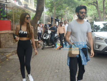 Kartik Aaryan spotted with girlfriend Dimple Sharma at Bandra