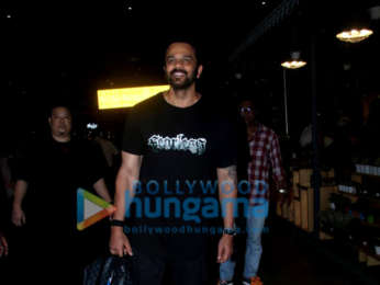 Ranveer Singh, Sonam Kapoor Ahuja and others snapped at the airport