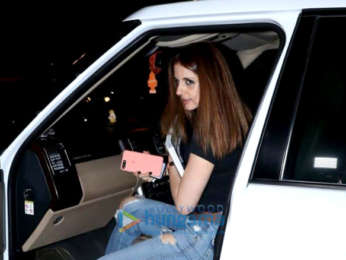 Sussanne Khan snapped at Kromakay in Juhu