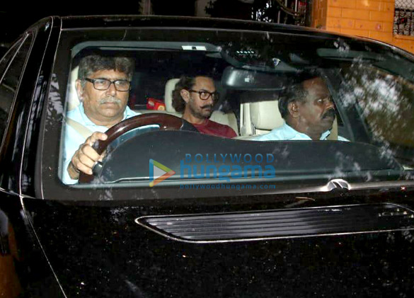 Aamir Khan spotted At his Mother's house (3)