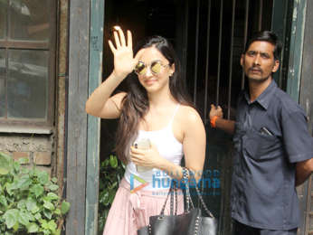 Ananya Panday, Kiara Advani, Vikas Bahl snapped at Pali Village Cafe