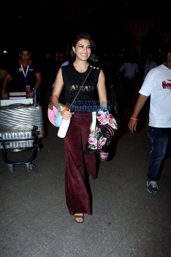 Anushka Sharma, Varun Dhawan, Shraddha Kapoor and others snapped at the airport last night