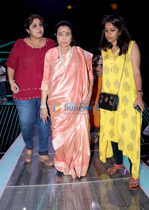 Avinash Tiwari, Tripti Dimri and Imtiaz Ali promote 'Laila Majnu' on the sets of Dil Hai Hindustani (5)