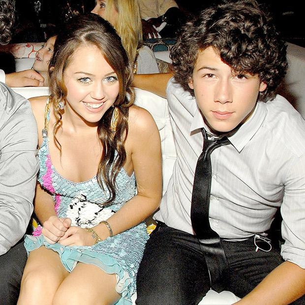 Before getting engaged to Priyanka Chopra, here are all the beauties Nick Jonas dated