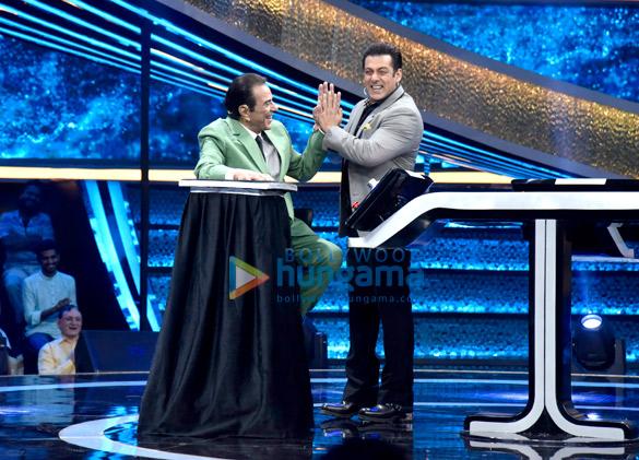 Dharmendra and Bobby Deol promote Yamla Pagla Deewana Phir Se on Salman Khan's Dus Ka Dum (6)