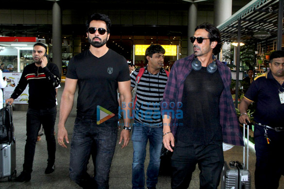 Hrithik Roshan, Pooja Hegde, Shriya Saran and others snapped at the airport