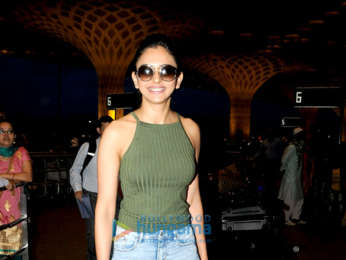 Karisma Kapoor, Bobby Deol, Rani Mukerji, Amyra Dastur and others snapped at the airport