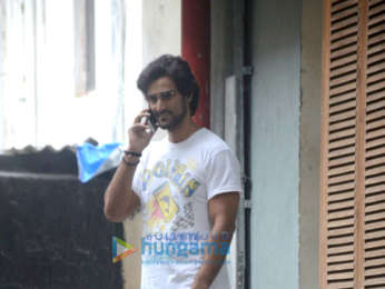 Kunal Kapoor snapped in Bandra