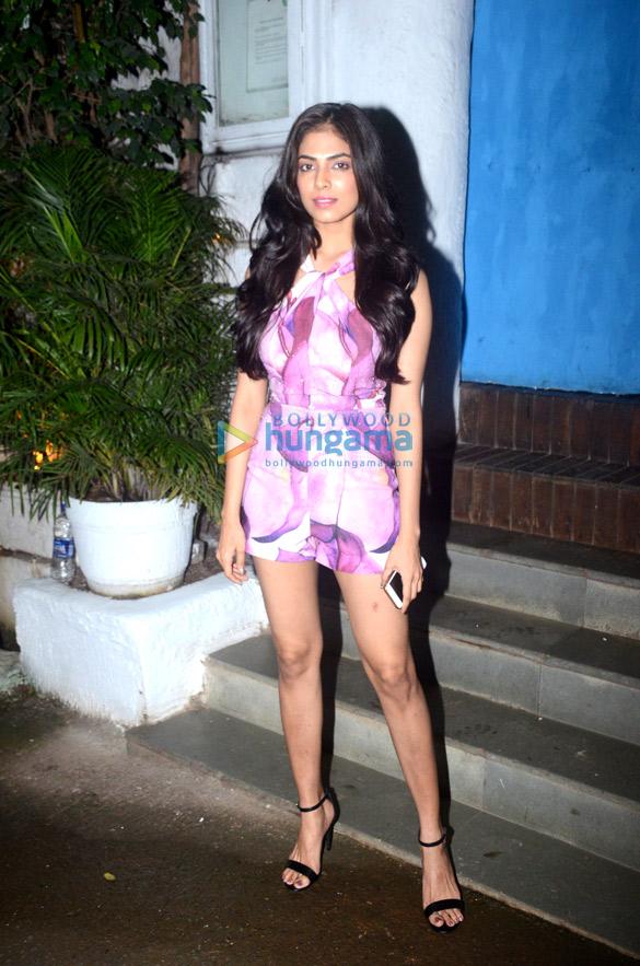 Malavika Mohanan snapped in Bandra (5)