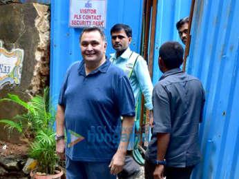 Rishi Kapoor snapped at his bunglow Krishnaraj