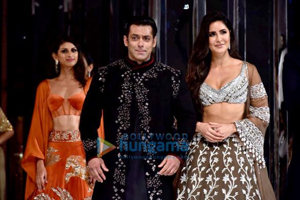 Salman Khan and Katrina Kaif walks the ramp for Manish Malhotra's fashion show (8)