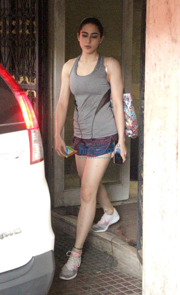 Sara Ali Khan snapped at the gym (1)
