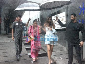 Shilpa Shetty snapped with family at Hakkasan in Bandra