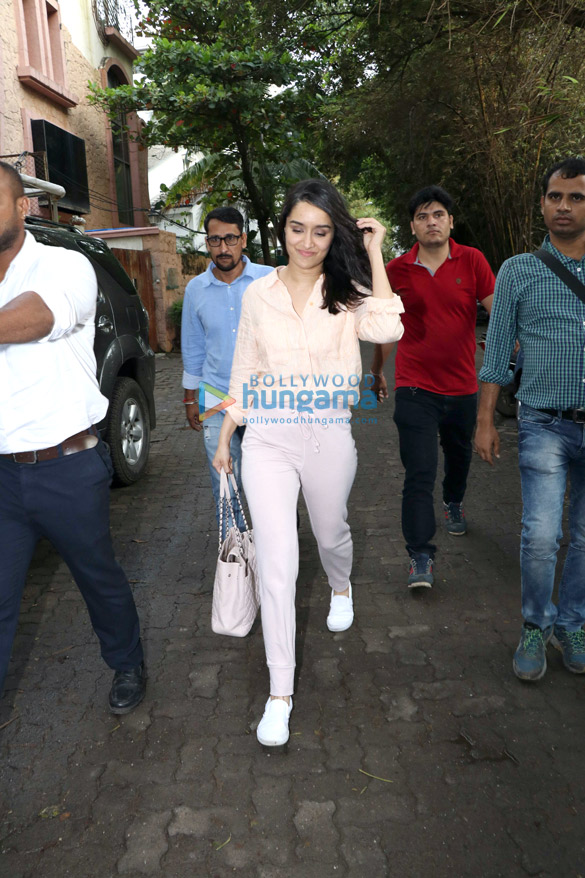 Shraddha Kapoor spotted at Sunny Super Sound in Juhu (5)