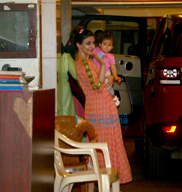 Soha Ali Khan and daughter Inaaya Naumi snapped at Saif Ali Khan's residence in Bandra