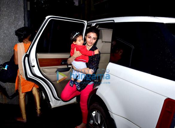 Soha Ali Khan snapped with daughter Inaaya Naumi Kemmu in Bandra