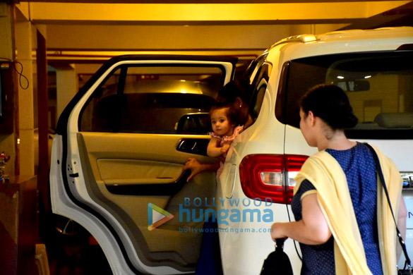 Soha Ali Khan's daughter Innaya spotted Saif Ali Khan's house in Bandra (1)