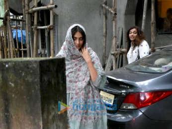 Sonam Kapoor Ahuja and Pooja Bedi snapped at Kromakay salon in Juhu