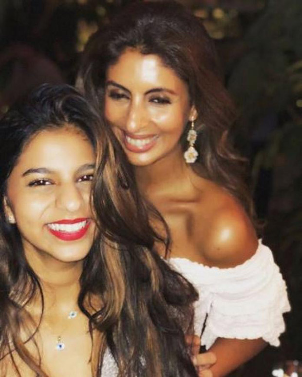 WOW! Suhana Khan and Shweta Bachchan sizzle and revel in their S factor in this unseen pic